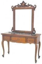 Meja Rias atau Tolet