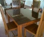 Meja Makan Minimalis Kerang